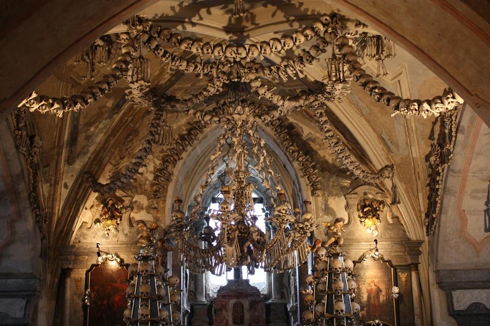 kutna-hora-kaplarnda-unlu-sedlec-ossuary-secret-world