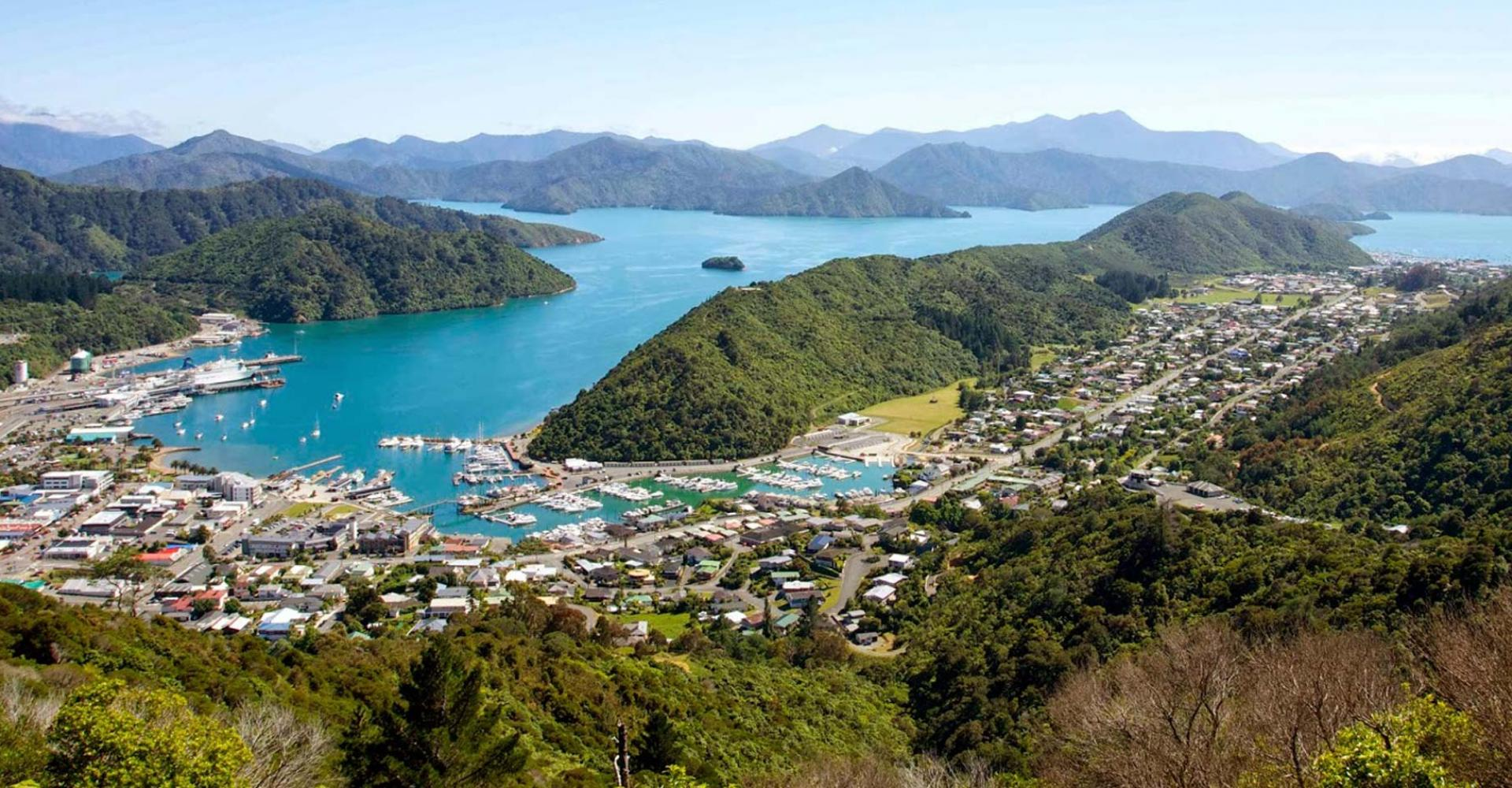 picton-is-a-delightful-port-town-in-new-zeland-secret-world