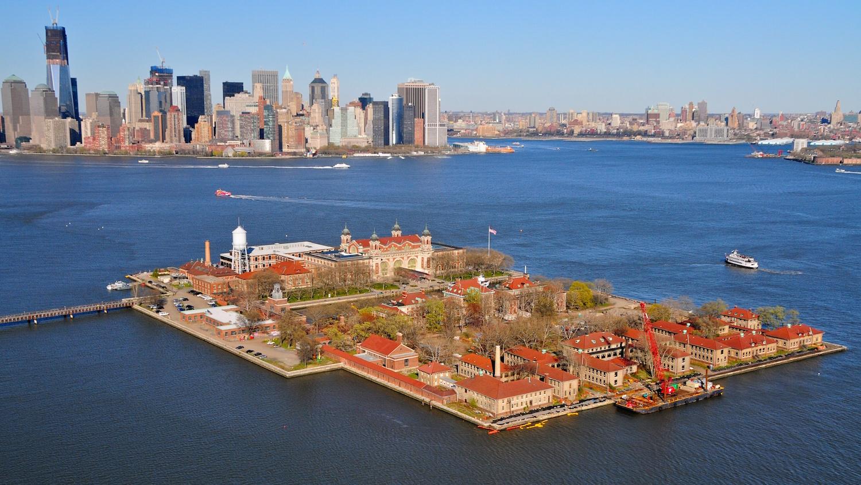 ne-york-ellis-island-secret-world