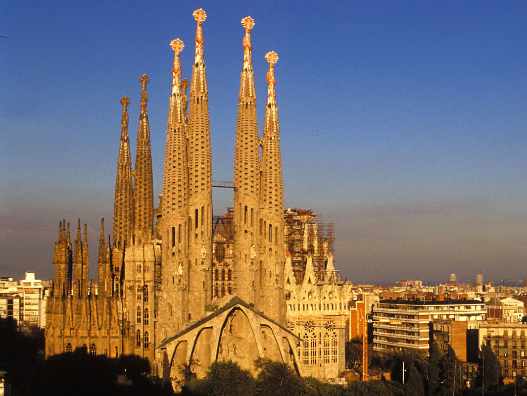 sepanyol-barcelona-ratu-malam-secret-world