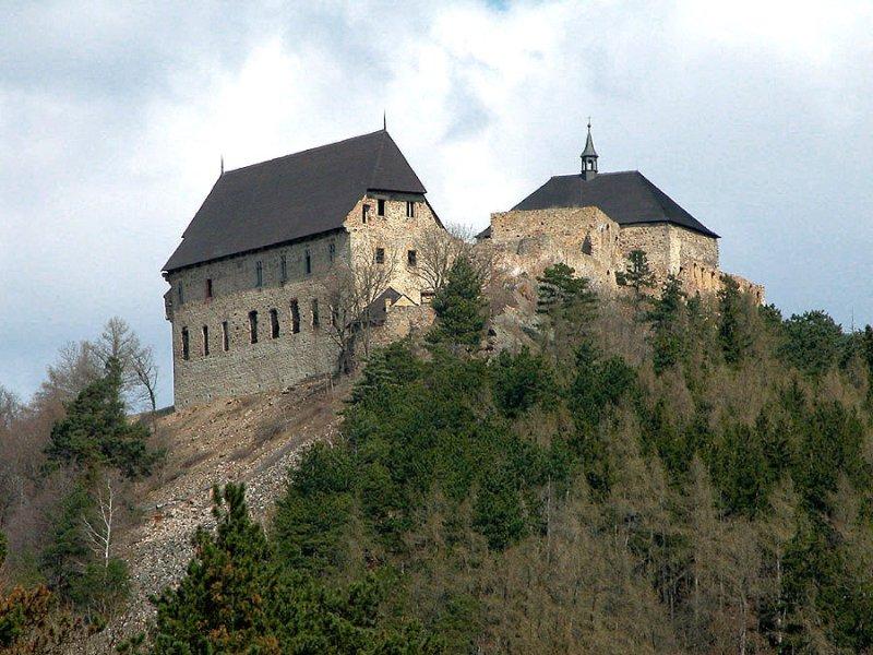 tocnik-castle