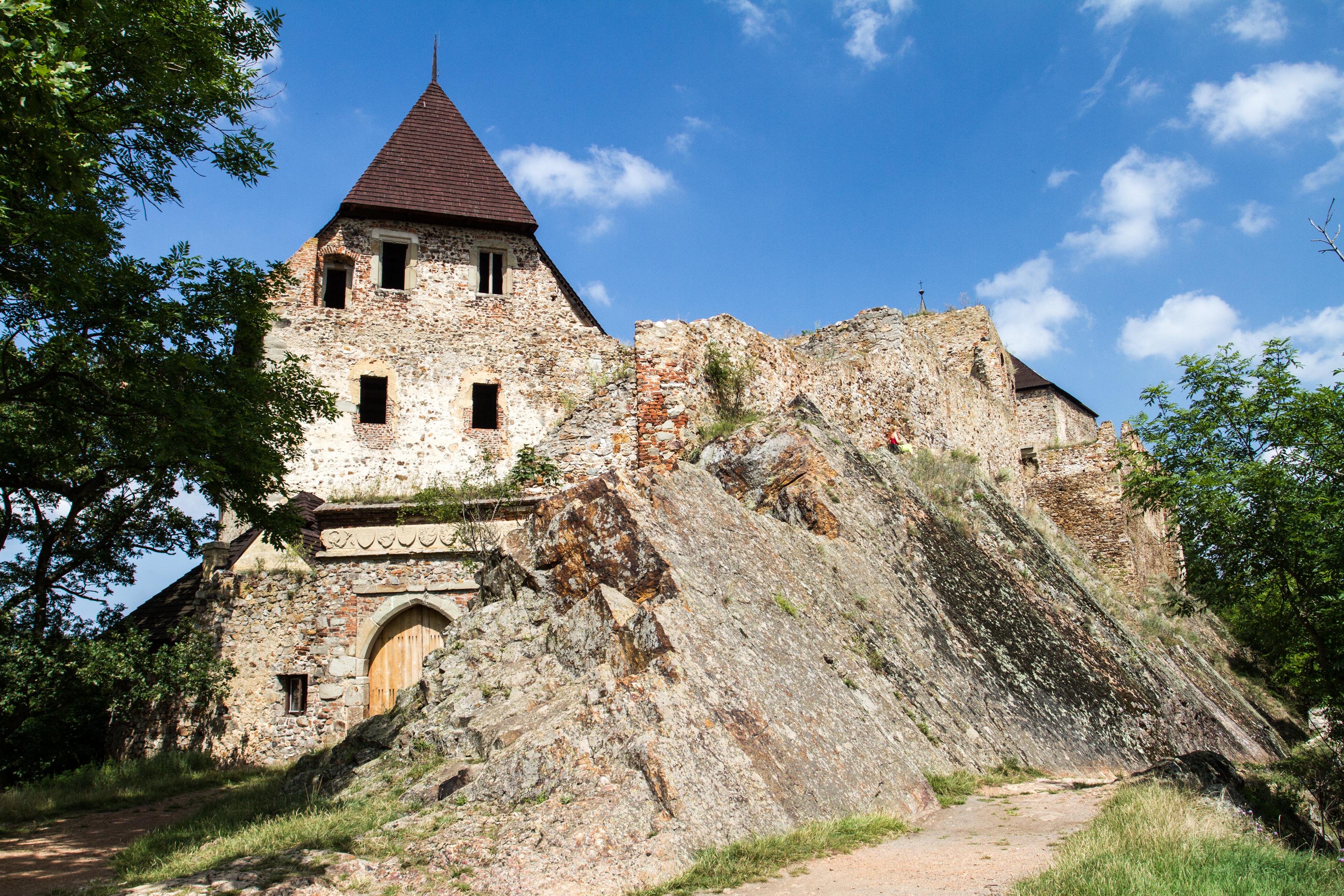 Tocník Castle