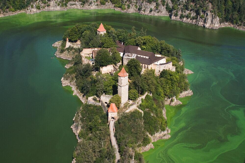 zvikov-castle-secret-world