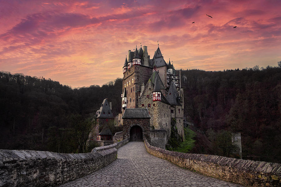 eltz-castle-secret-world