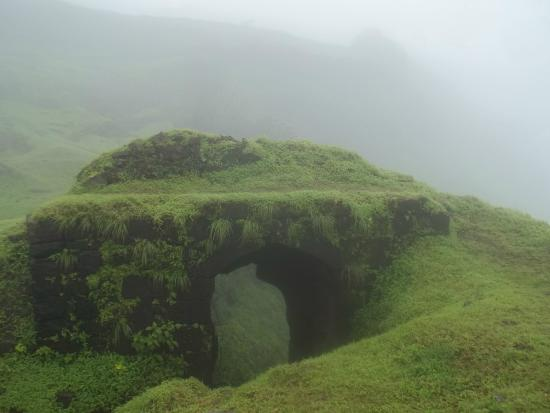 the-koregad-fort-known-for-its-solitude-secret-world