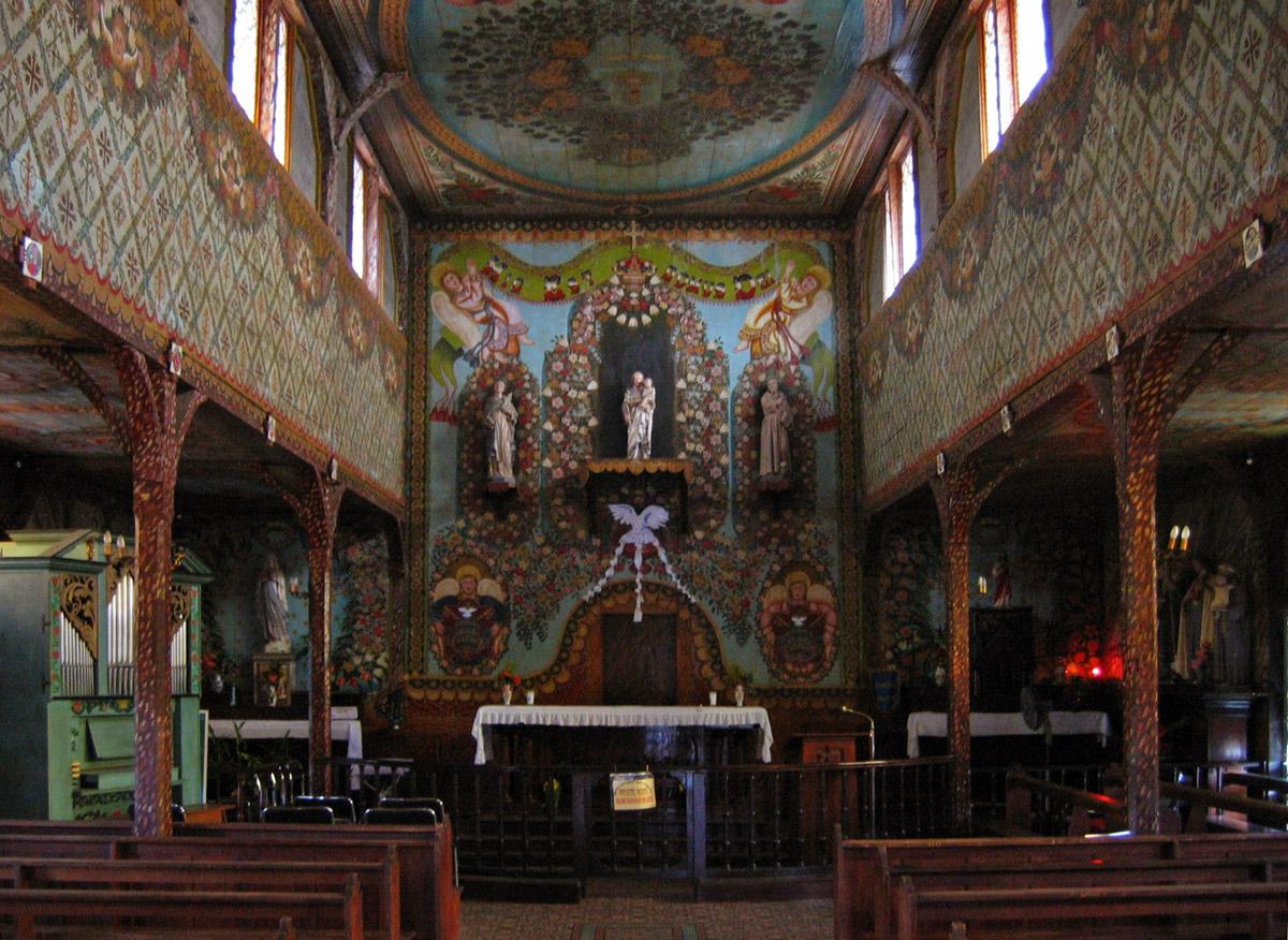 wonderful-interior-of-iracoubou-stjoseph-church-frenc-secret-world