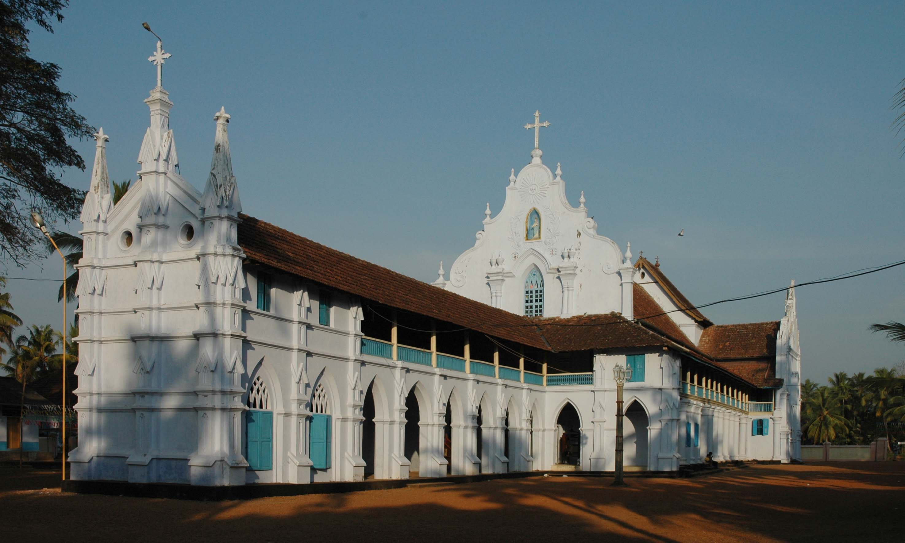 indore-white-church-was-built-in-the-year-1858-and-it-is-secret-world