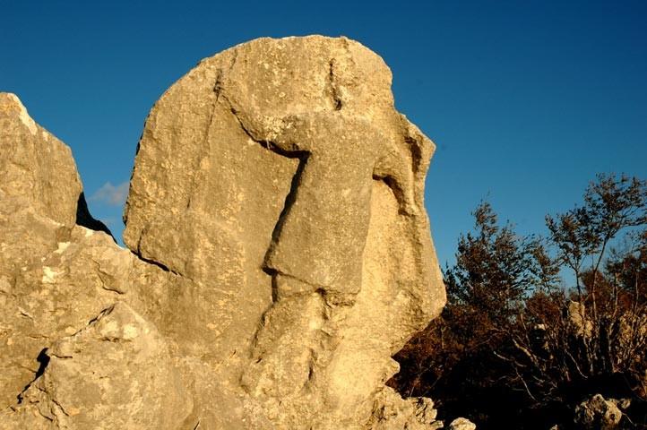 antece-un-guerriero-di-pietra-vecchio-2500-anni