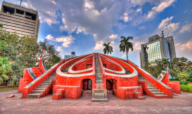 jantar-mantar-is-the-worlds-largest-sundial-in-1728-secret-world