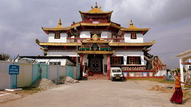 tharpa-choling-gompa-one-of-the-oldest-mo-secret-world