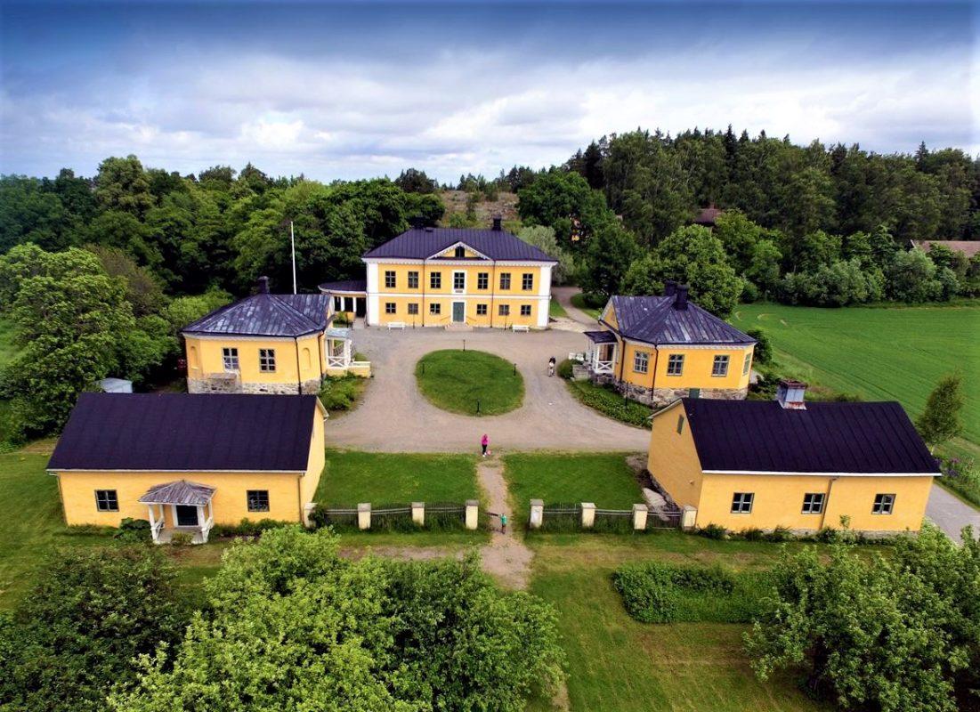 ang-brinkhall-manor-sa-turku-secret-world