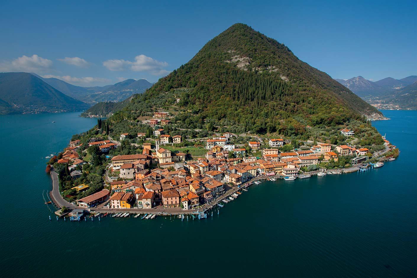 montisola-o-maior-lago-illa-en-europa-secret-world