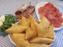 Zonzelle eða Ficattole, Tuscan steikt pizz... - Secret World