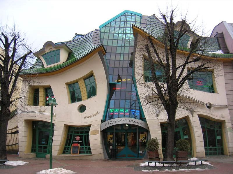 krzywy-domek-the-crooked-house-secret-world