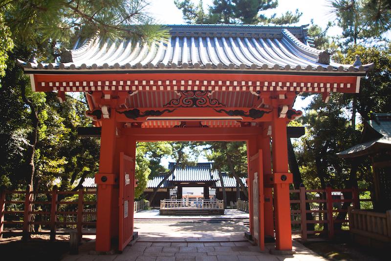 osakas-sumiyoshi-taisha-is-one-of-japans-oldest-shrine-secret-world