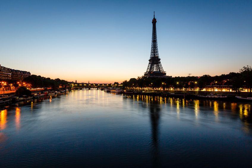 pariz-in-romanticna-sena-secret-world