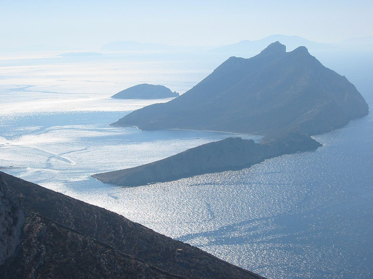 otok-nikuria-secret-world