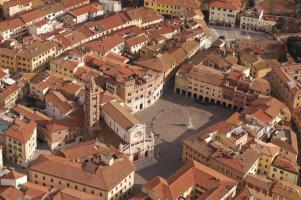 Piazza Dante Alighieri, il cuore di Grosse... - Secret World