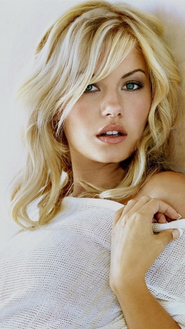Reina Smallville